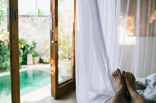 Les porte-fenêtre  pour faire pénétrer la lumière du soleil chez vous!