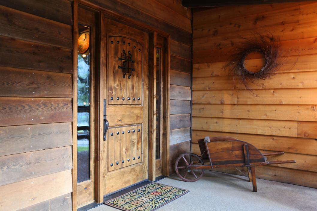 Tous les avantages d'une porte en bois