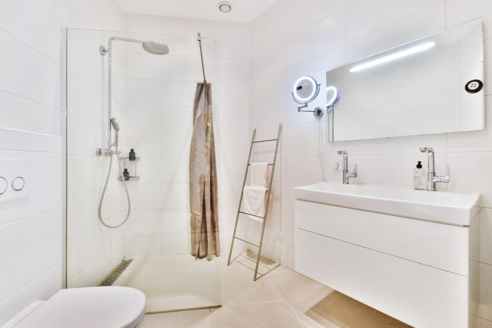 Renovation de votre salle bain : Douche a l'italienne ou receveur extra plat ?